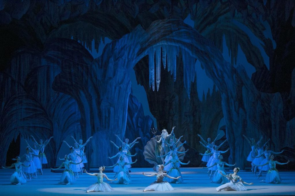 "10. I. Alexeyev and ensemble, ""La Fille du Pharaon"" by P. Lacotte, Bolshoi Ballet 2019 © Bolshoi Ballet / D. Yusupov"