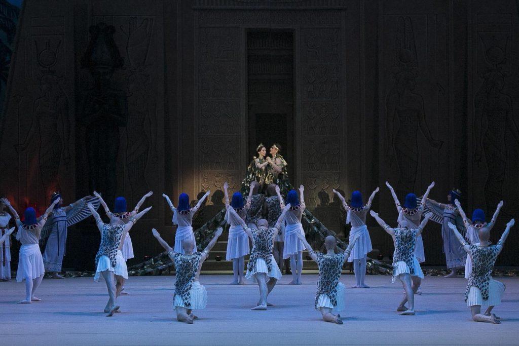 "12. E. Obraztsova, R. Skvortsov and ensemble, ""La Fille du Pharaon"" by P. Lacotte, Bolshoi Ballet 2019 © Bolshoi Ballet / D. Yusupov"
