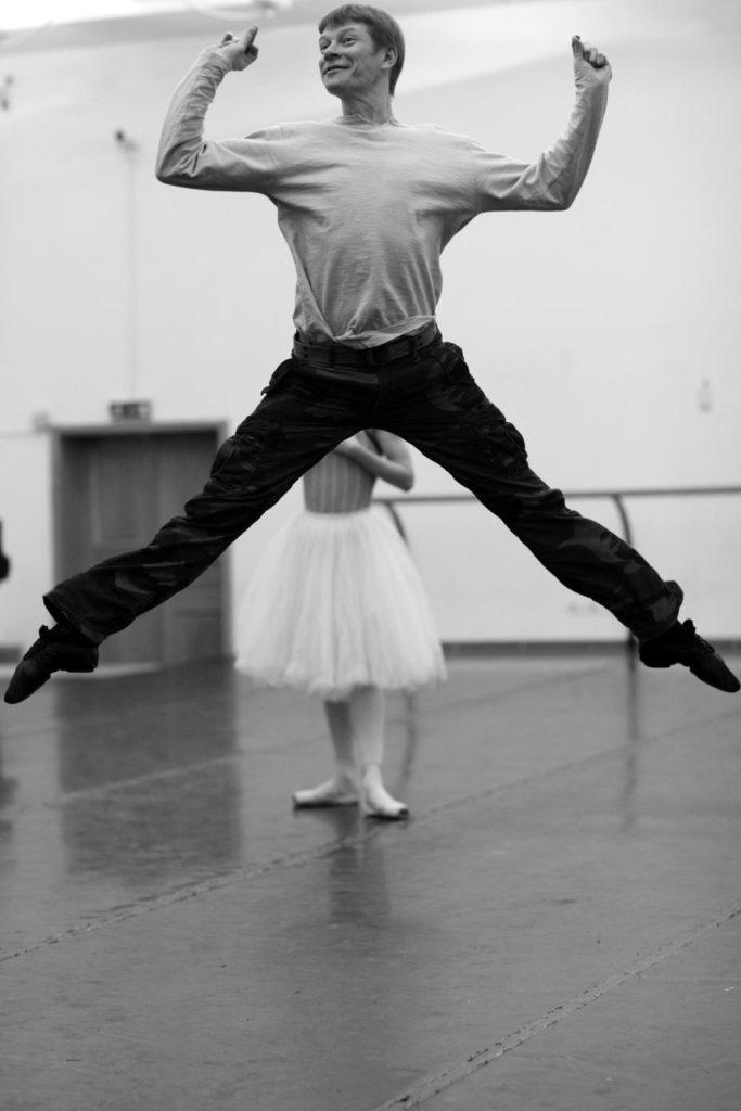 """3. S. Vikharev rehearsing """"Coppélia"""", Bolshoi Ballet © Bolshoi Ballet / V. Podorojniy"""