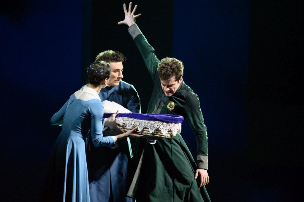 "7. A. Vlashinets, Y. Ostrovsky, and I. Tsvirko, ""The Winter's Tale"" by C. Wheeldon, Bolshoi Ballet 2019 © Bolshoi Ballet / N. Voronova"