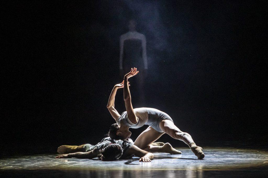 """11) M.Denex and M.Lanoue, """"Dos Soles Solos"""" by A.Cerrudo, Czech National Ballet 2021 © M.Divíšek"""