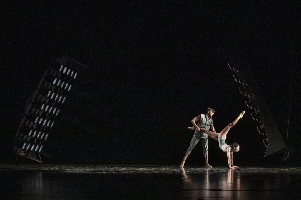 """9) M.Deneux and M.Lanoue, """"Dos Soles Solos"""" by A.Cerrudo, Czech National Ballet 2021 © M.Divíšek"""