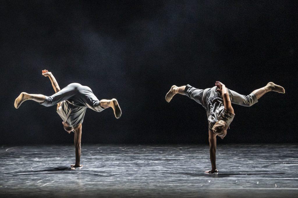 "7) M.Deneux and J.Dolník, ""Dos Soles Solos"" by A.Cerrudo, Czech National Ballet 2021 © M.Divíšek"