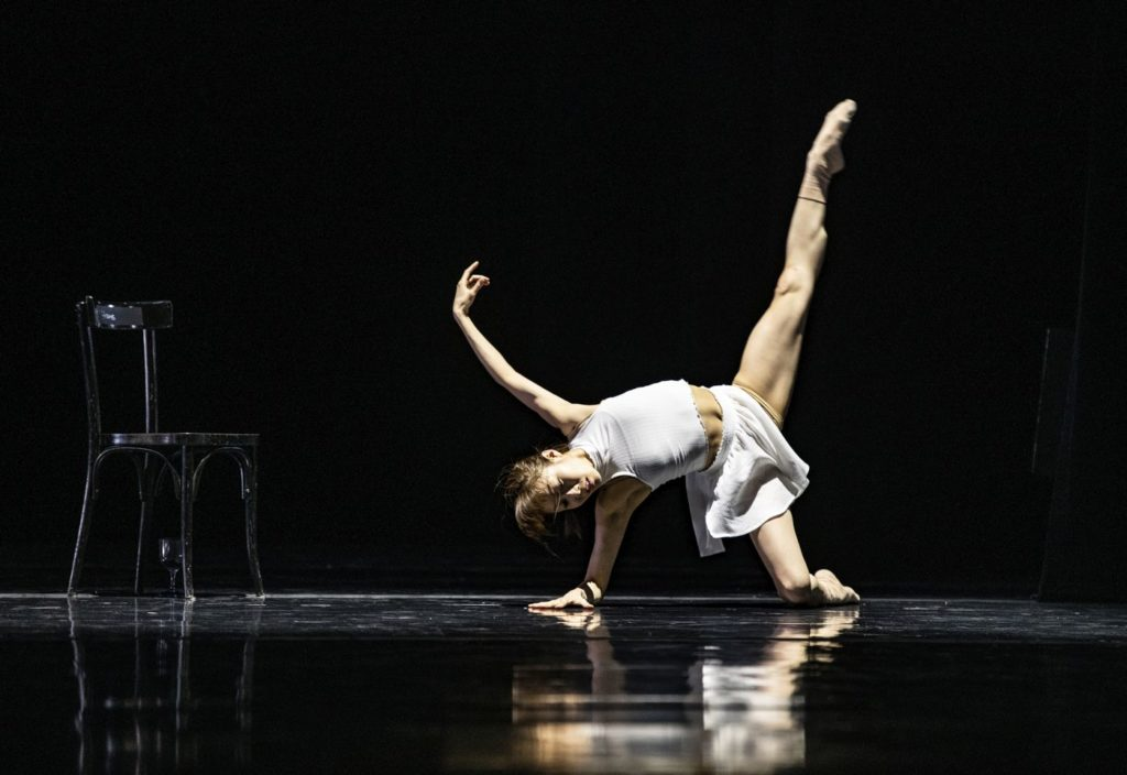 """9. C.Ide, """"Day 100"""" by O.Alonso, Ballet of the State Theater Nuremberg 2021 © B.Stöß"""