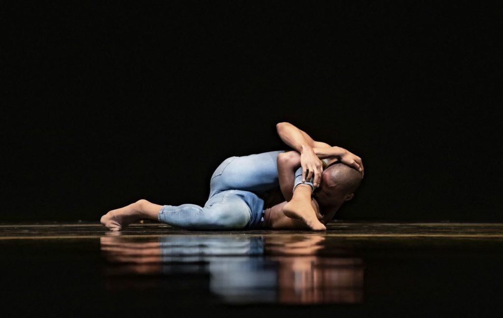 "2. C.Blanco, ""Me Inside Me"" by C.Blanco, Ballet of the State Theater Nuremberg 2021 © B.Stöß"