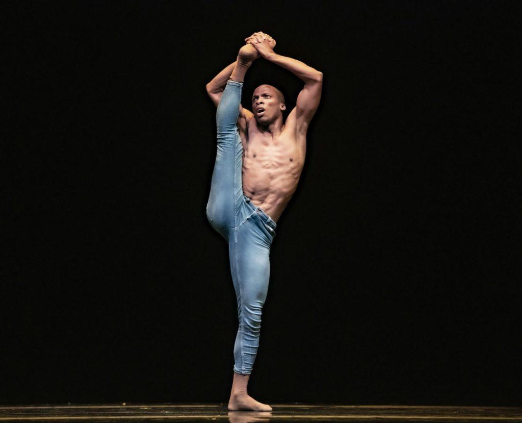 "3. C.Blanco, ""Me Inside Me"" by C.Blanco, Ballet of the State Theater Nuremberg 2021 © B.Stöß"