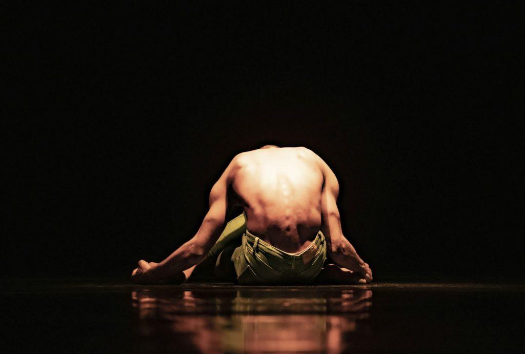 "4. C.Blanco, ""Me Inside Me"" by C.Blanco, Ballet of the State Theater Nuremberg 2021 © B.Stöß"