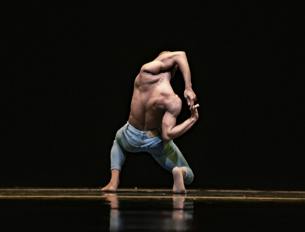 "1. C. Blanco, ""Me Inside Me"" by C.Blanco, Ballet of the State Theater Nuremberg 2021 © B.Stöß"