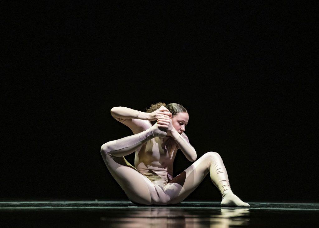 "7. B.Jacobs, ""Vicious"" by B.Jacobs, Ballet of the State Theater Nuremberg 2021 © B.Stöß"