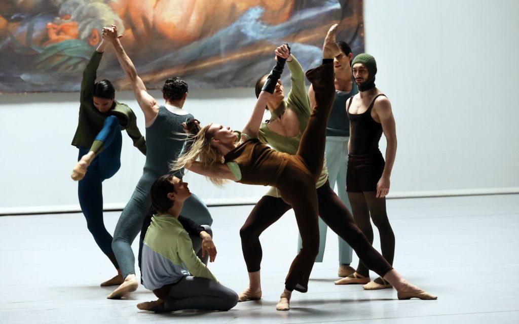 "14. R.Valdez, P.Johnson, F.Rinieri, K.Hilli, L.Hepler, G.Princic, and M.Esposito, ""I Feel It Too"" by S.Verwoert, Dutch National Ballet 2021 © H.Gerritsen"
