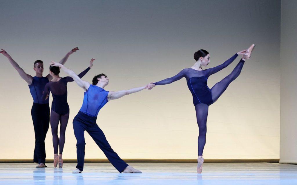 "3. B.Stoop, L.Rosillo, M.Kumar, and W.Wijkstra, ""Memento"" by W.Kuindersma, Dutch National Ballet 2021 © H.Gerritsen"