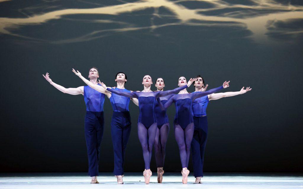 "1. B.Stoop, D.Bai, S.Quintyn, L.Rosillo, W.Wijkstra, and M.Kumar, ""Memento"" by W.Kuindersma, Dutch National Ballet 2021 © H.Gerritsen"