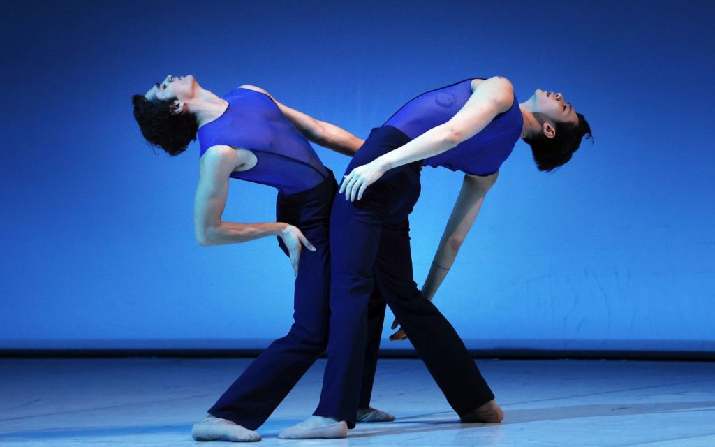 """6. M.Kumar and D.Bai, """"Memento"""" by W.Kuindersma, Dutch National Ballet 2021 © H.Gerritsen"""