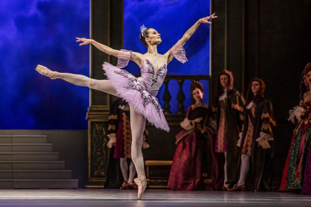 "2. R.Zvonařová (Lilac Fairy) and ensemble, ""The Sleeping Beauty"" by M.Haydée after M.Petipa, Czech National Ballet 2021 © M.Divíšek"