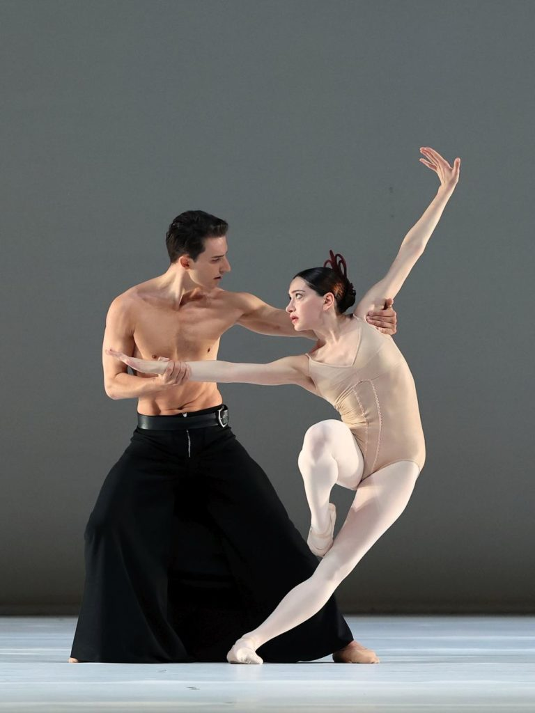 "10. S.Velichko and S.Leverashvili, ""Grosse Fuge"" by H.van Manen, Dutch National Ballet 2021 © H.Gerritsen"