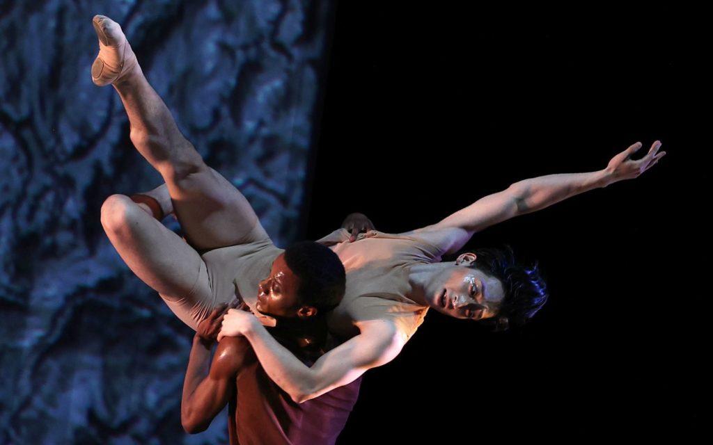 "2. D.Silva and S.Yamada, ""Prometheus"" by W.Kuindersma, E.Meisner, and R.Wörtmeyer, Dutch National Ballet 2021 © H.Gerritsen"