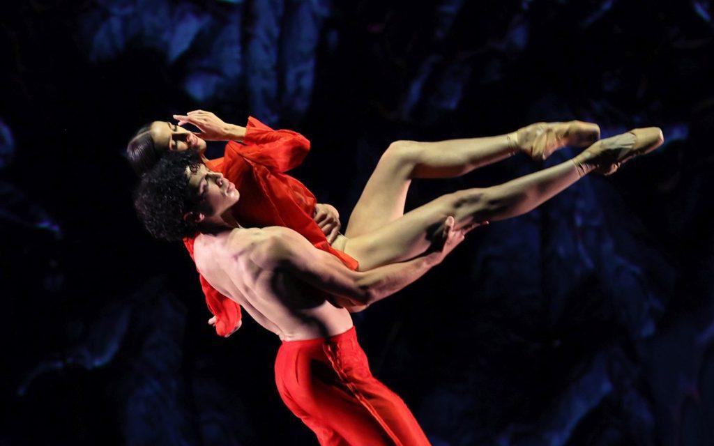 "4. T.van Poucke (Prometheus) and F.Eimers (Promethea), ""Prometheus"" by W.Kuindersma, E.Meisner, and R.Wörtmeyer, Dutch National Ballet 2021 © H.Gerritsen"
