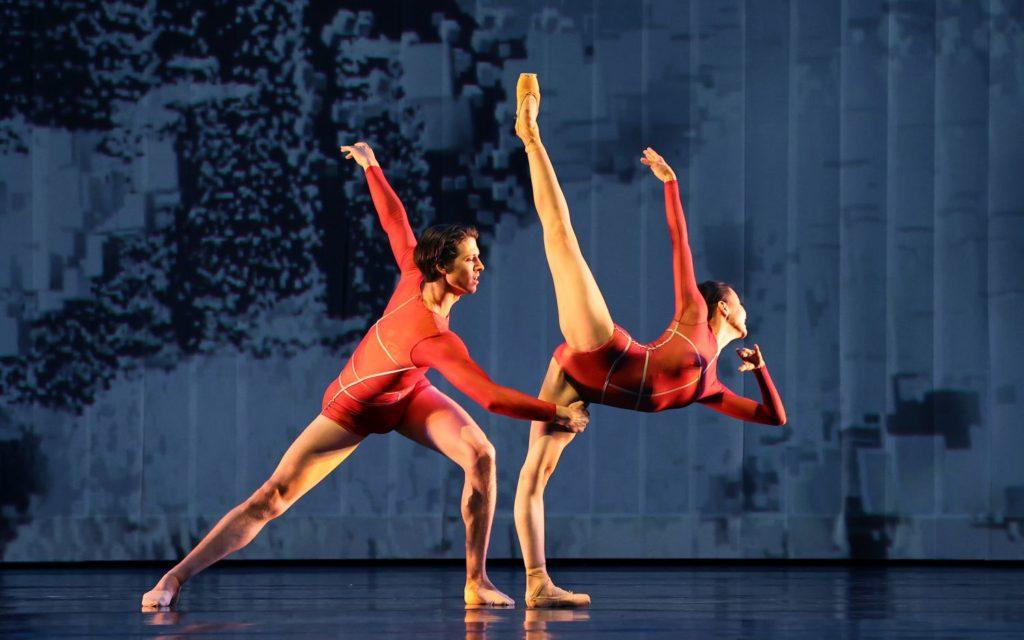 """5. M.ten Kortenaar and Y.Yuan Zhang, """"Prometheus"""" by W.Kuindersma, E.Meisner, and R.Wörtmeyer, Dutch National Ballet 2021 © H.Gerritsen"""