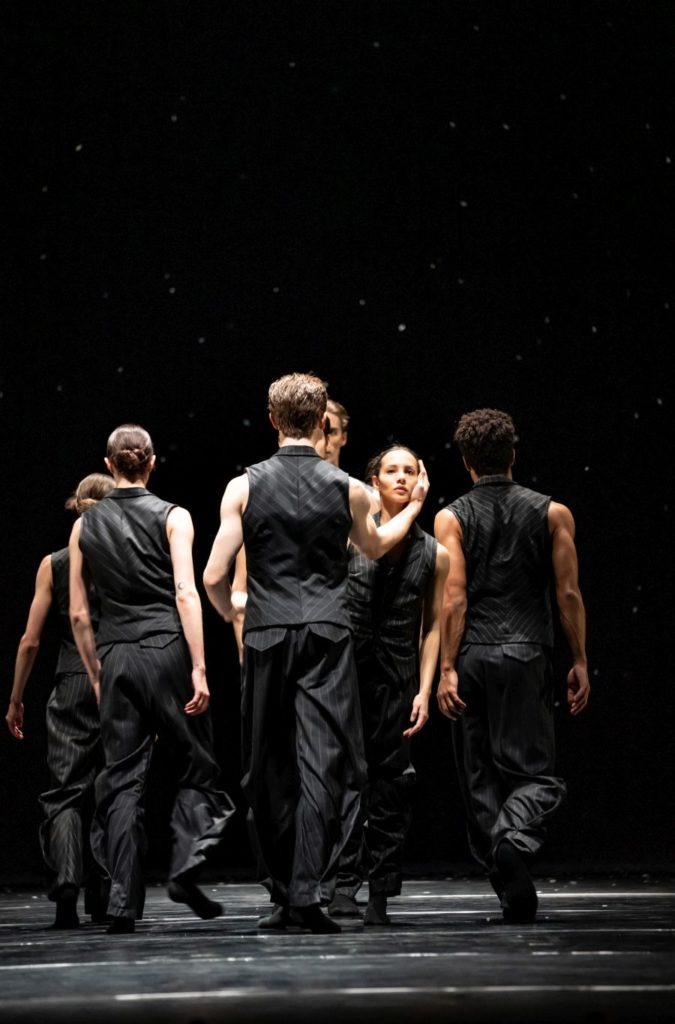 """17. F.Hayward and artists of the Royal Ballet, """"Solo Echo"""" by C.Pite, The Royal Ballet 2021 © B.Cooper"""