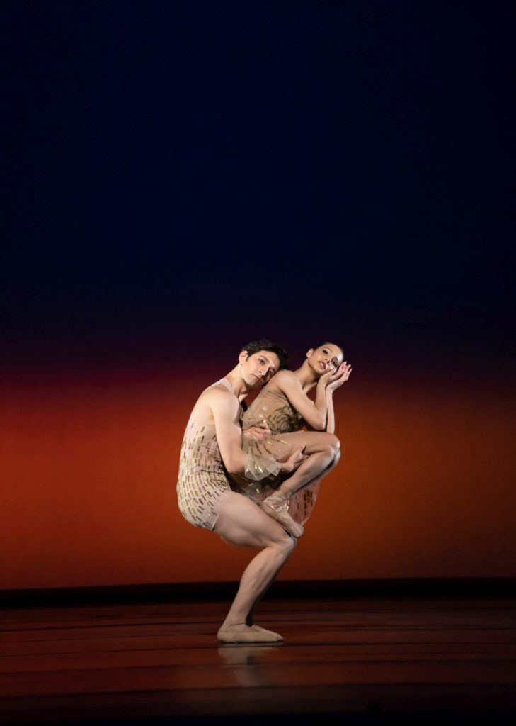 """4. V.Zucchetti and F.Hayward, """"Within the Golden Hour"""" by C.Wheeldon, The Royal Ballet 2021 © B.Cooper"""