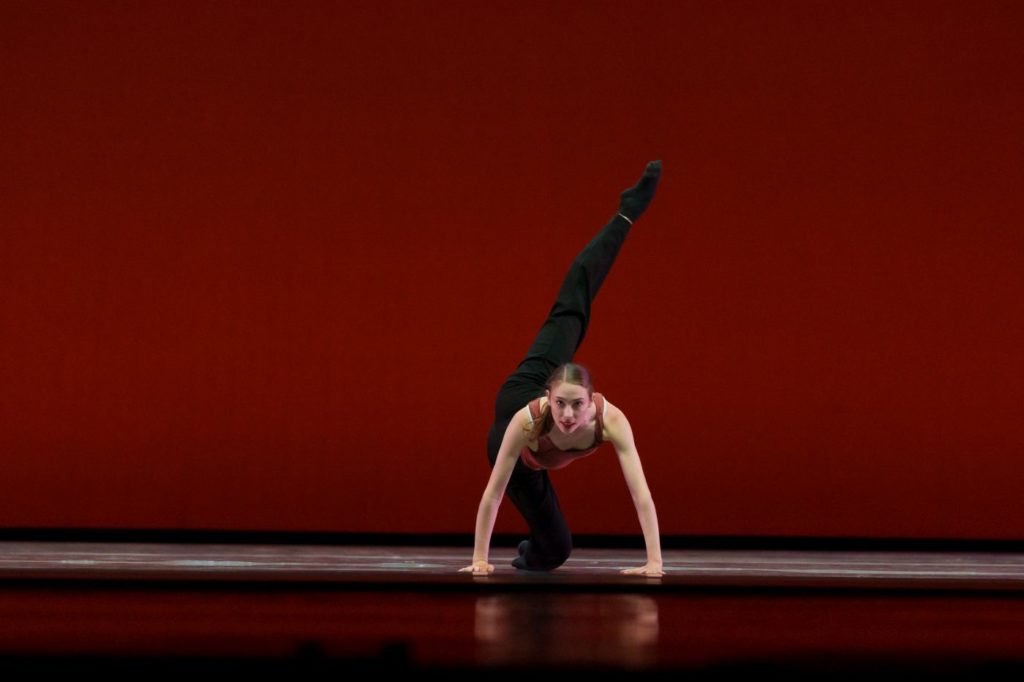 "9. N.Jones in ""Conceal"" by Z.Greten, Dutch National Ballet Academy 2021 © S.Derine"