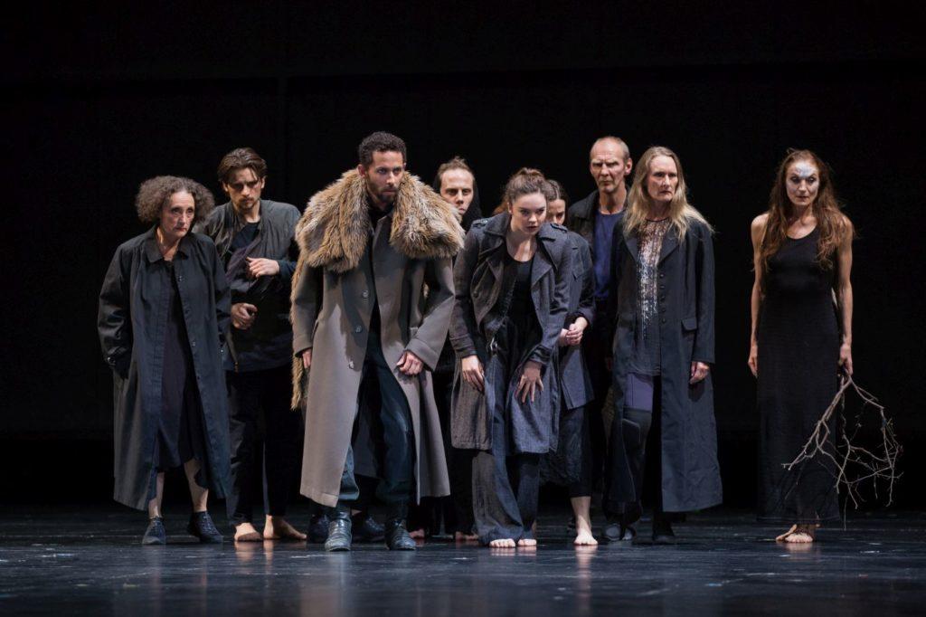 "8. Ensemble, ""Sleeping Woman"" by R.Behr, Tanztheater Wuppertal Pina Bausch 2021 © E.Rodoulis"