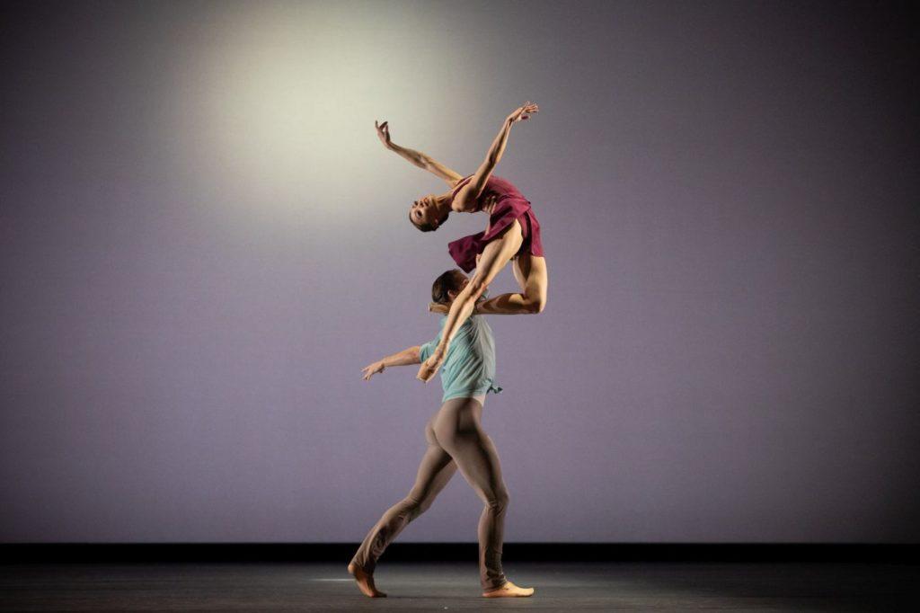 """9. M.Sasaki and L.Bjørneboe Brændsrød, """"Anemoi"""" by V.Zucchetti, The Royal Ballet 2021 © A.Pennefather"""