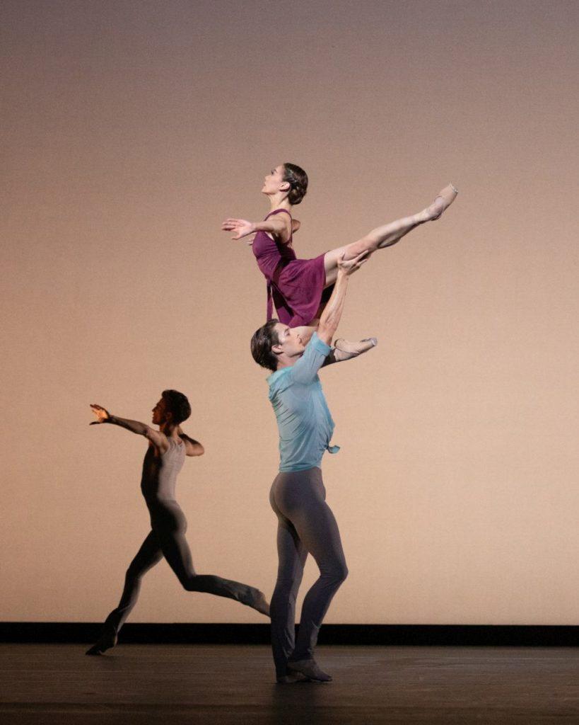"""11. M.Sasaki, L.Bjørneboe Brændsrød, and L.Dixen, """"Anemoi"""" by V.Zucchetti, The Royal Ballet 2021 © A.Pennefather"""