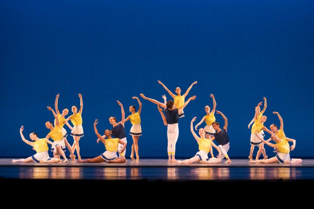 "3. Students of the Dutch National Ballet Academy, ""New Beginning"" by R.Wörtmeyer, Dutch National Ballet Academy 2021 © S.Derine"