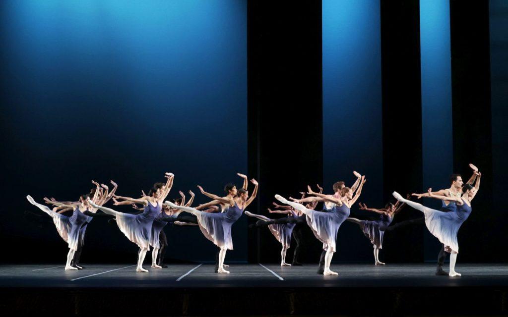 "10. Ensemble, ""7th Symphony"" by T. van Schayk, Dutch National Ballet 2021 © H. Gerritsen"