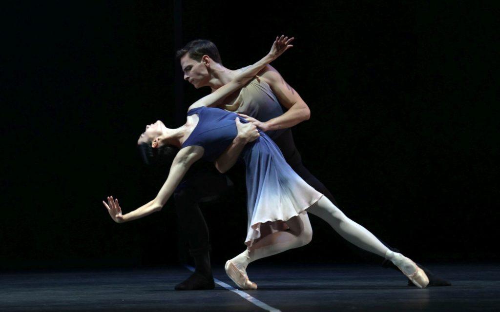 "6. J. Mao and J. Feyferlik, ""7th Symphony"" by T. van Schayk, Dutch National Ballet 2021 © H. Gerritsen"