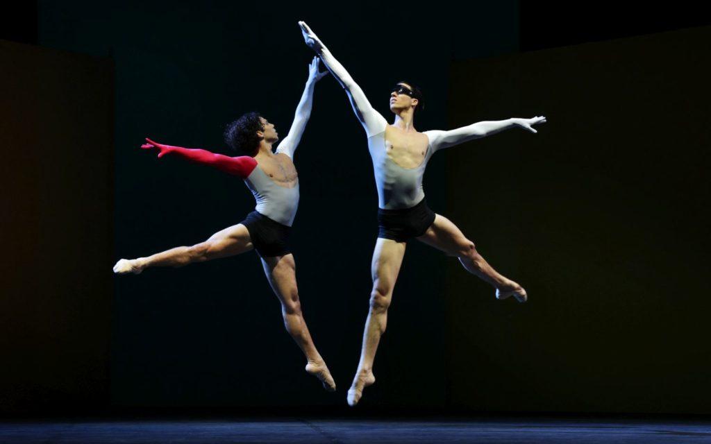 """2. T. van Poucke and M. ten Kortenaar, """"Lucifer Studies"""" by T. van Schayk, Dutch National Ballet 2021 © H. Gerritsen"""
