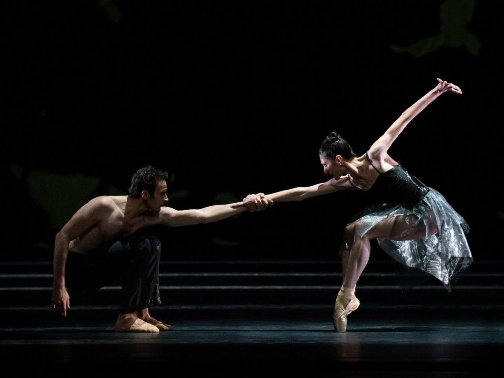 """10. R.Lazik and K.Papava, """"Sinfonie Nr. 15"""" by M.Schläpfer, Vienna State Ballet 2021 © Vienna State Ballet / A.Taylor"""
