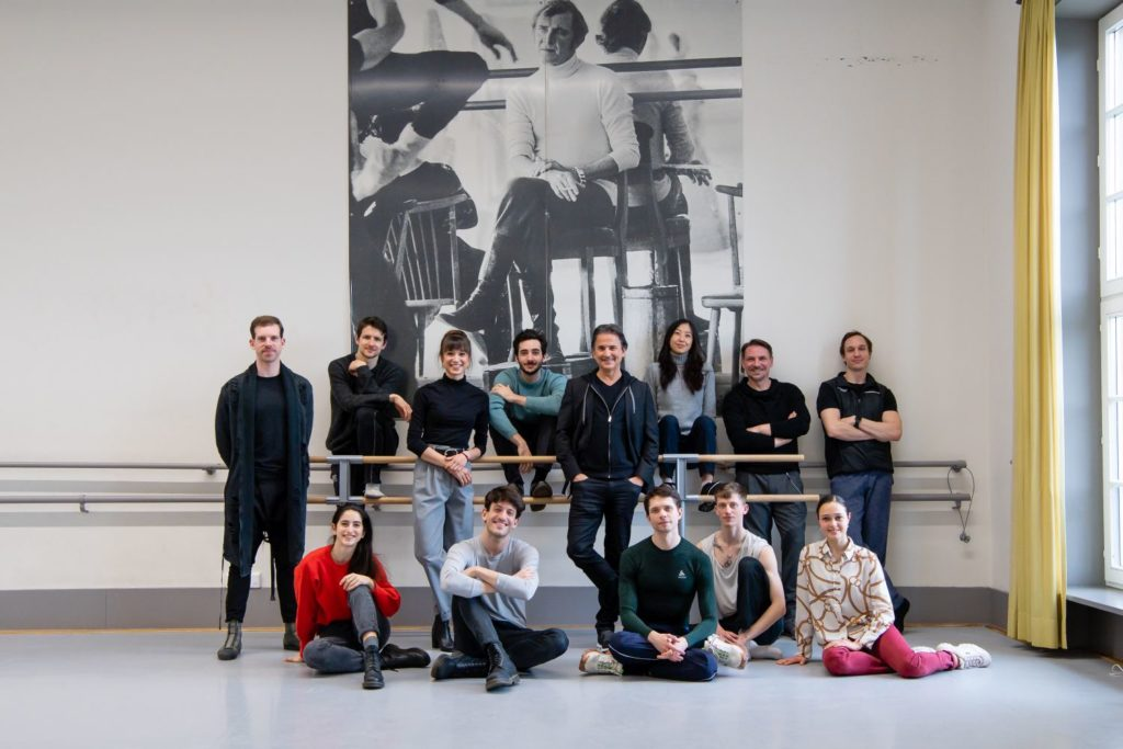 12. back row: M.Strobel, D.Moore, R.Alemán, A.Giaquinto, T.Detrich, A.Su, R.D'Alesio, R.Novitzky; front row: V.Girelli, F.Adorisio, L.Stiens, S.Heller, A.De Mori, Stuttgart Ballet 2021 © R.Novitzky