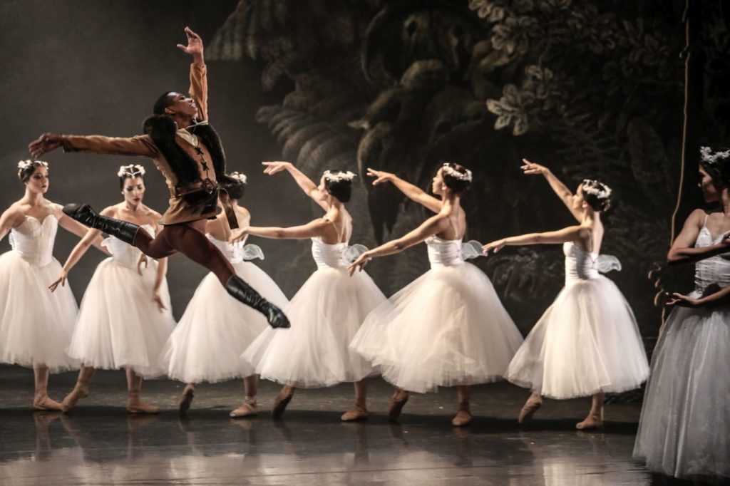 """8. H.de Castro (Hilarion) and ensemble, """"Giselle"""" by L.van Cauwenbergh after J.Coralli and J.Perrot, São Paulo Dance Company 2021 © C.Lima"""