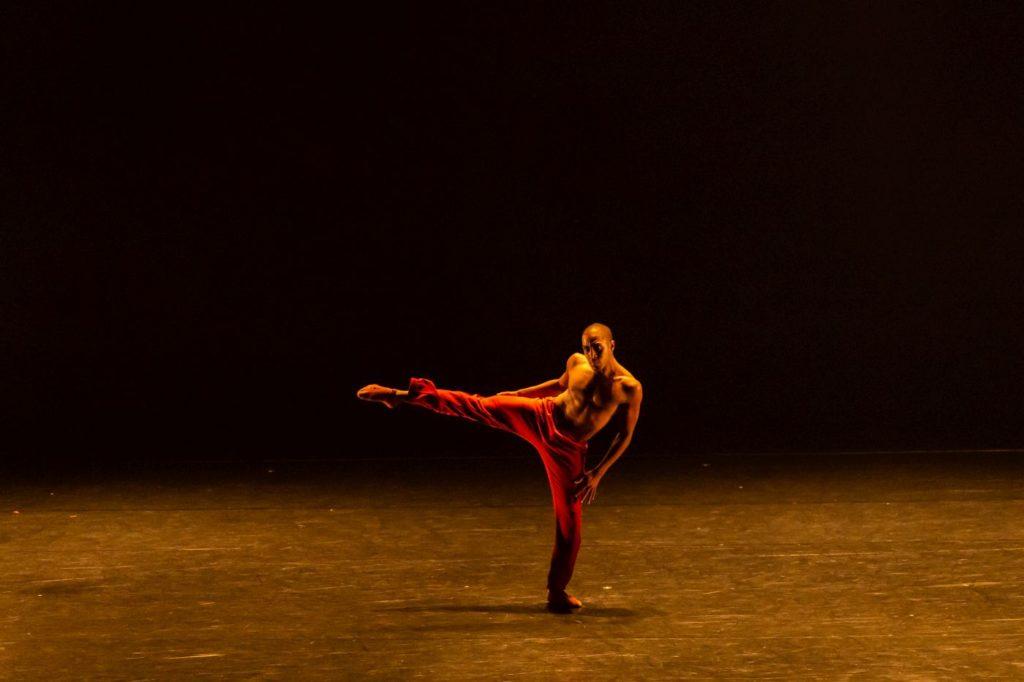 "20. N.Souza, ""Agora"" by C.Abranches, São Paulo Dance Company 2021 © F.Kirmayr"