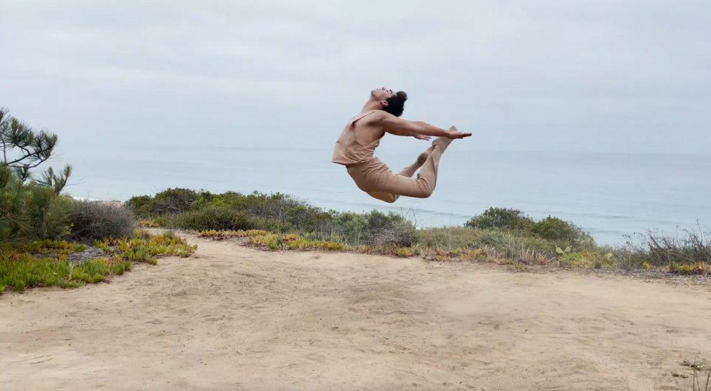 11. T.Gómez in a choreography by R.Novitzky, Escuela Superior de Música y Danza de Monterrey 2021 © Creare Crescere
