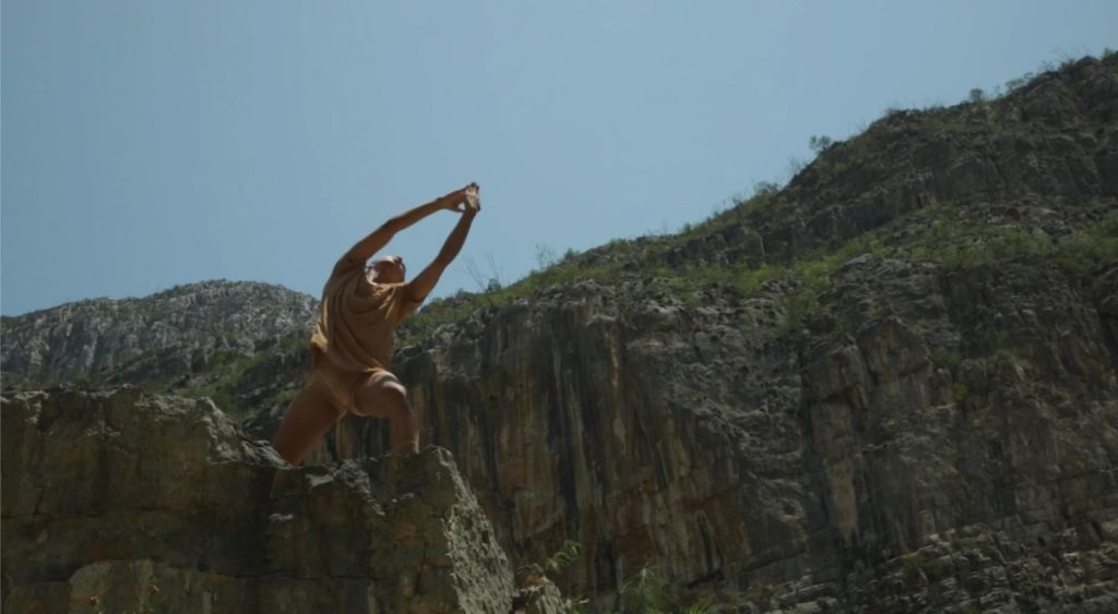 3. V.Gil in a choreography by F.Adorisio, Escuela Superior de Música y Danza de Monterrey 2021 © Creare Crescere